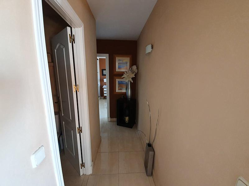 2 bedroom apartment for rent in Duquesa with sea view - mibgroup.es