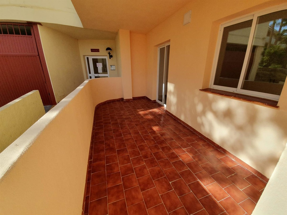 2 bedroom apartment for rent in La Duquesa Alboran Hills - mibgroup.es