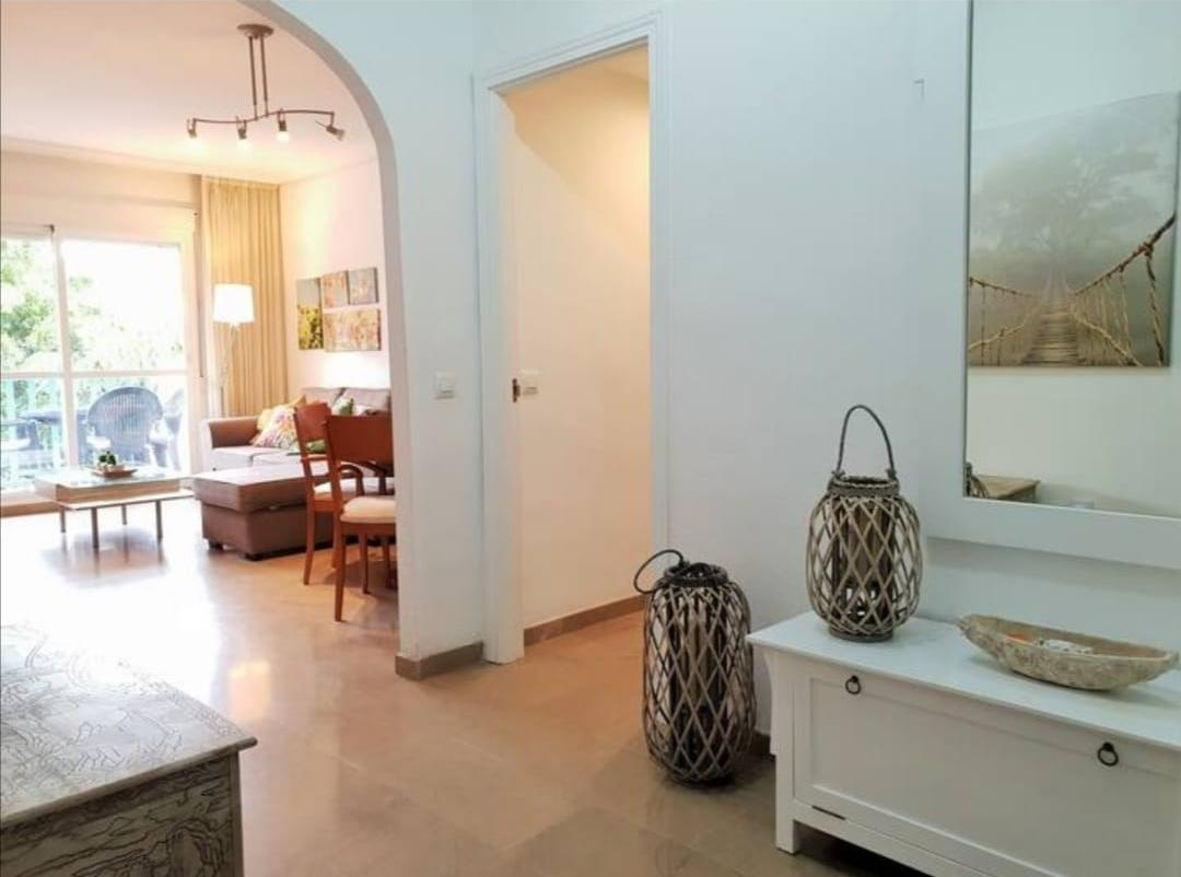 2 bedroom apartment for rent in the port of Estepona first line to the sea - mibgroup.es