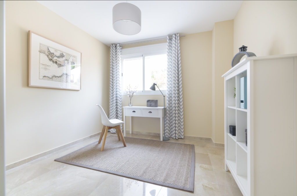 TWO BEDROOM APARTMENT IN ALCAIDESA GOLF - mibgroup.es