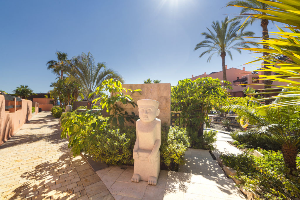 Two bedroom sea view luxury apartment in Estepona - mibgroup.es