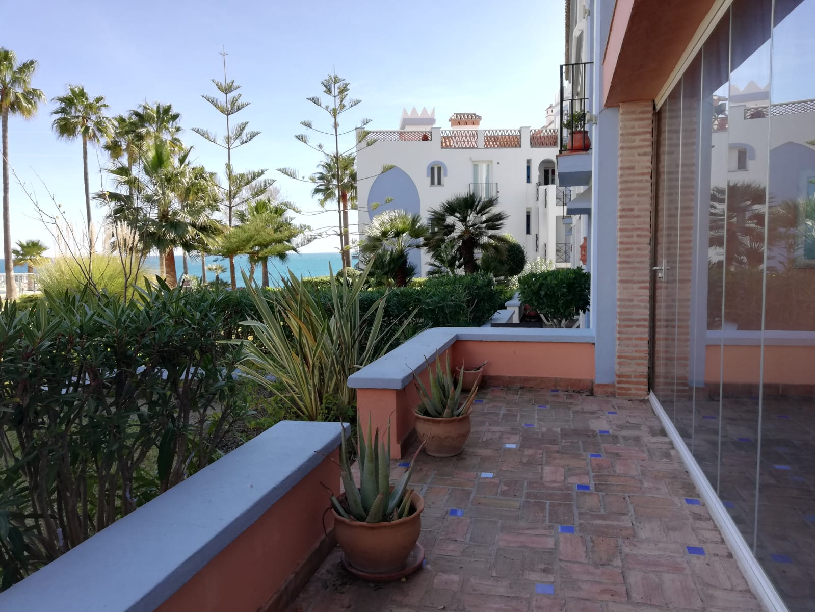 Ground floor apartment in beach front community in Casares - mibgroup.es