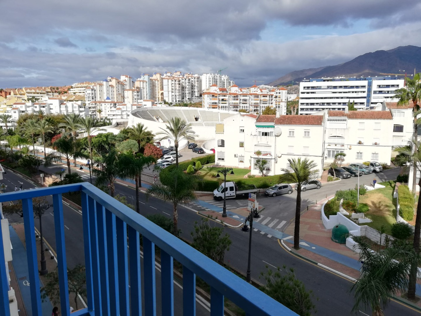 One bedroom apartment in the port of Estepona on the first line of the sea - mibgroup.es