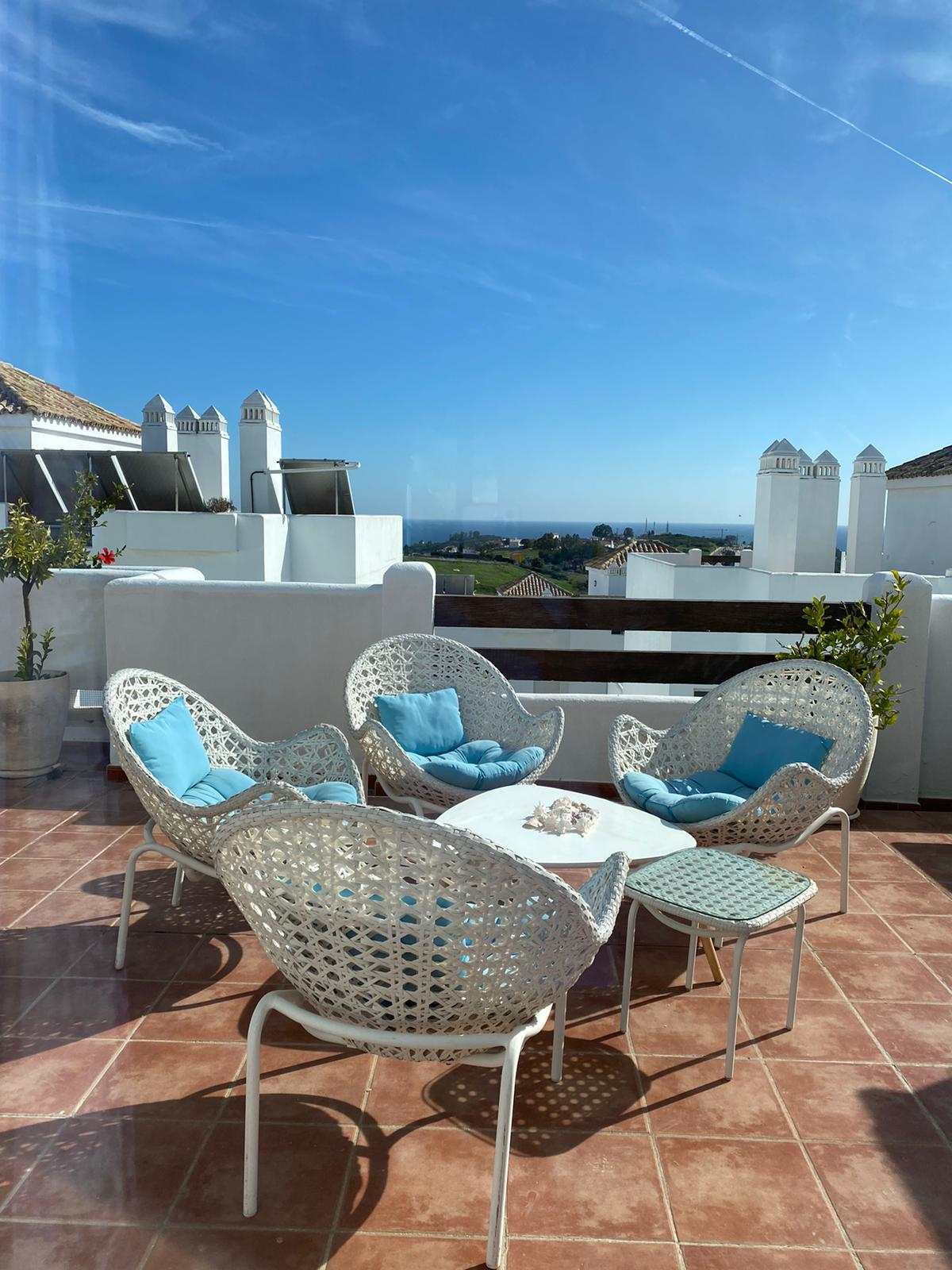 Magnificent penthouse with private access in Valle Romano - mibgroup.es